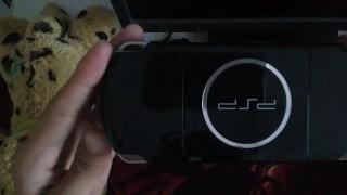 【闲鱼开箱】200块的索尼PSP3000开箱 古董游戏机算不算翻车
