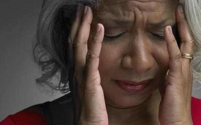 Dor de cabeça forte e que não passa. Foto: Thinkstock/Getty Images