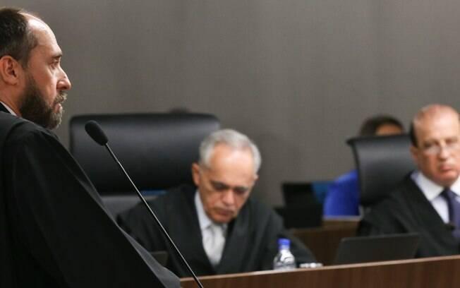 Adams sofre derrota por unanimidade em sessão do TCU sobre as 'pedaladas fiscais'