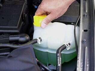 Líquido do sistema de arrefecimento deve ter a proporrcão correta de aditivo