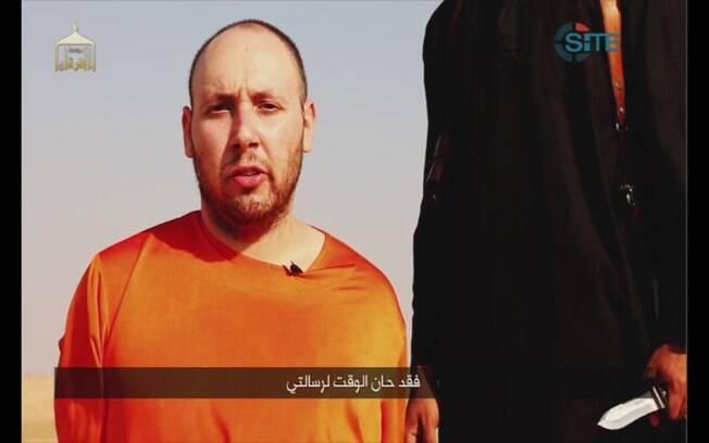 Imagem feita a partir de vídeo postado na internet pelo Estado Islâmico mostra jornalista americano Steven J. Sotloff antes de ser decapitado, no dia 2 de setembro de 2014. Foto: AP
