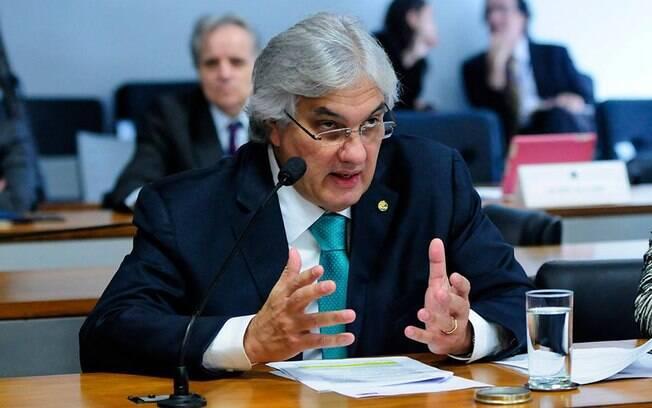 O senador da República fez parte da diretoria de Gás e Energia da Petrobras durante governo FHC