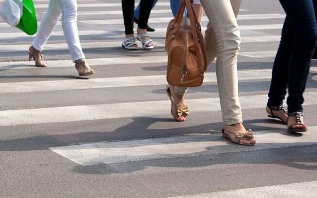 7 - Pisar só na parte branca da faixa de pedestres, e, se não o fizer, achar que algo ruim vai acontecer. Pode ser TOC. Foto: Thinkstock/Getty Images