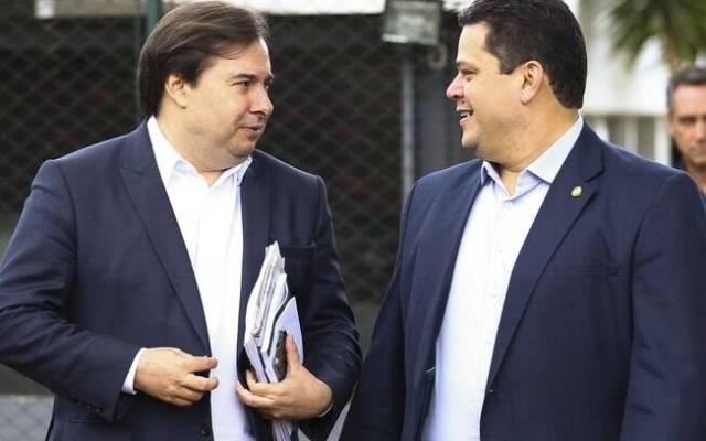 Rodrigo Maia, presidente da Câmara dos Deputados, e Davi Alcolumbre, presidente do Senado Federal.