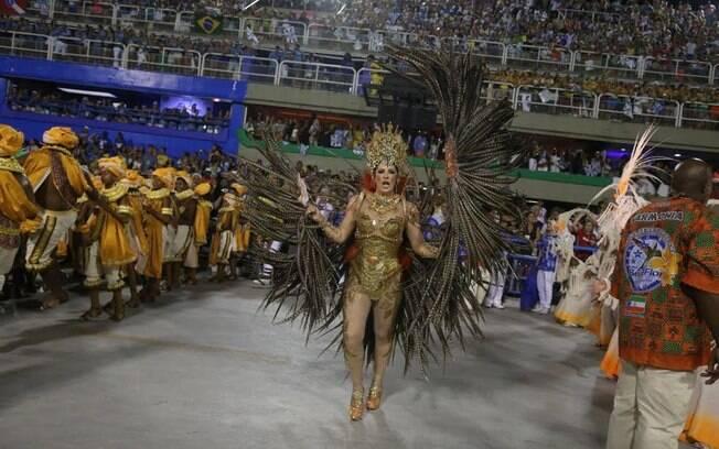 Claudia Raia levantou o público na avenida. Foto: André Freitas/AgNews