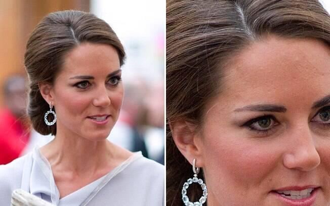Nem a duquesa Kate Middleton escapou dos fios brancos. Ela pinta os cabelos, mas de vez em quando um ou outro sai ileso