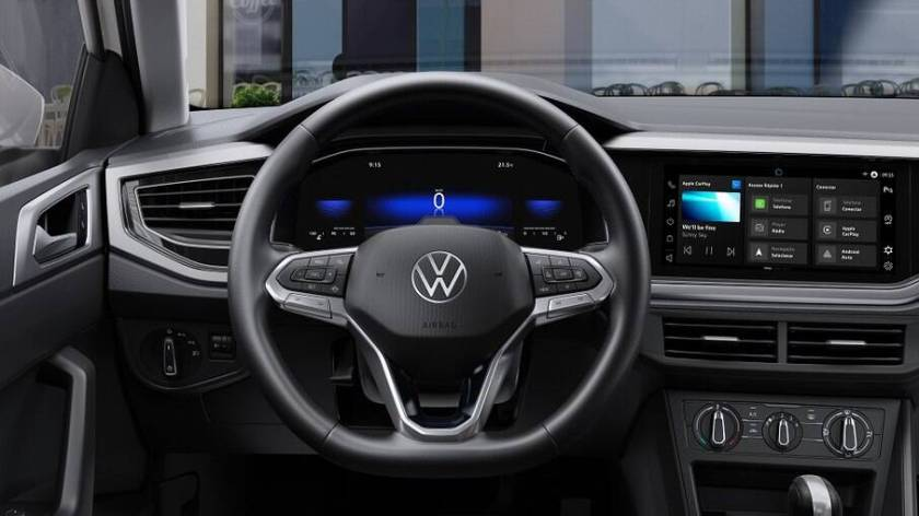 The digital instrument panel with configurable 8-inch screen is available as an option for the Comfortline version.