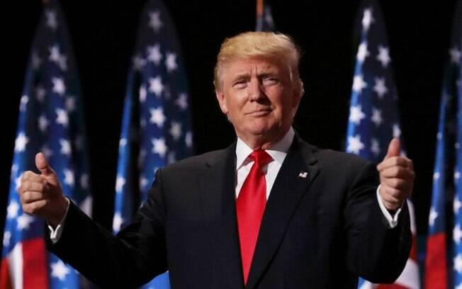Donald Trump demitiu quem liderava a investigação do FBI sobre as ligações dos russos com a sua campanha presidencial