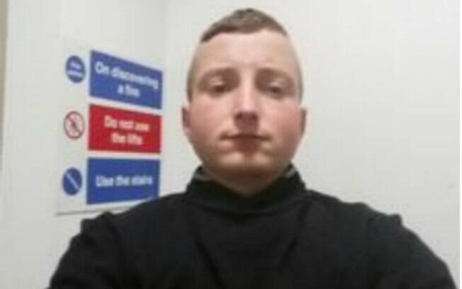 Corey Deans, 22 anos, pretendia marcar encontro sexual com uma garota de 15 anos, mas foi pego no flagra