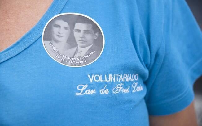 Detalhe do uniforme de uma voluntária. Foto: Selmy Yassuda