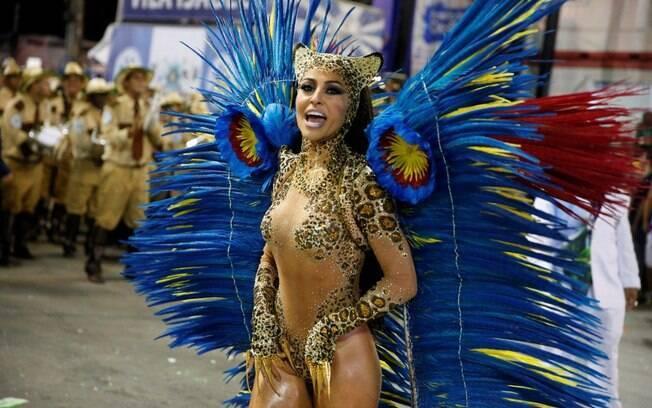 Tapa-sexo de Sabrina Sato fica à mostra após desfile em 2014. Foto: AgNews