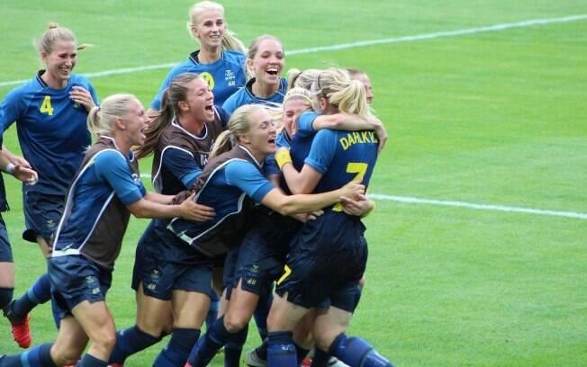 Suécia comemora vaga na final olímpica. Vitória nos pênaltis contra o Brasil