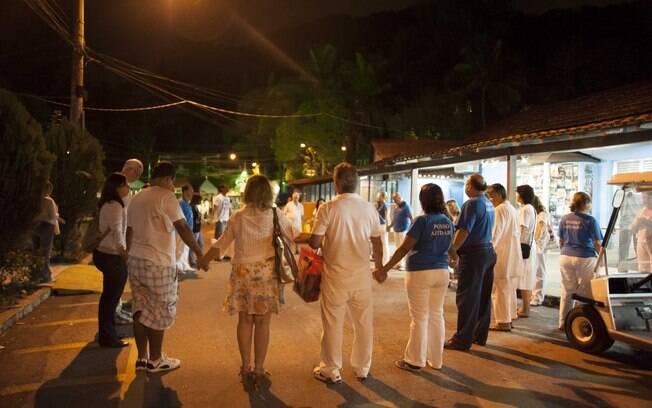 Rodas de orações no meio das ruas do centro. Foto: Selmy Yassuda