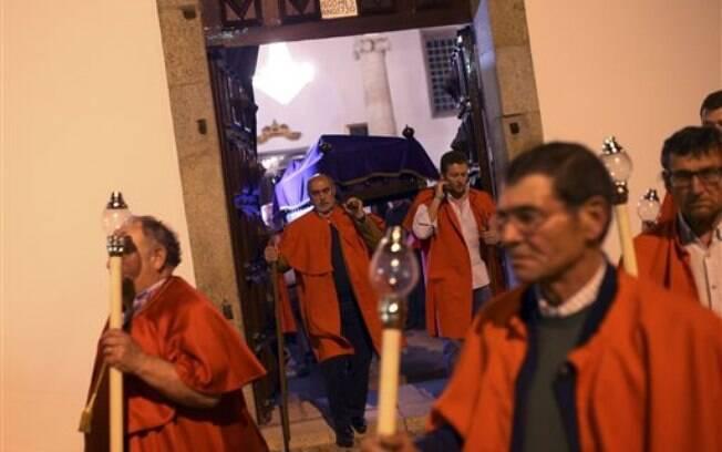 Em Portugal, cristãos celebram a ressurreição de Jesus Cristo na Páscoa. Foto: AP Photo/Francisco Seco