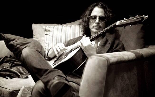 Aos 52 anos de idade%2C Chris Cornell%2C vocalista do Soundgarden e do Audioslave%2C foi encontrado morto nos Estados Unidos