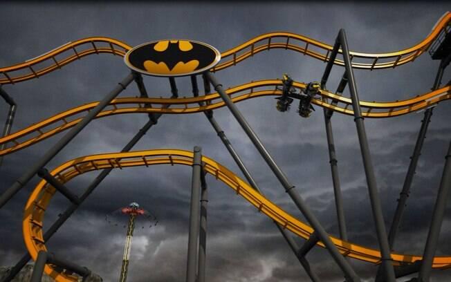 Com formato wing coaster, quedas inesperadas e seis loopings, a montanha-russa do Batman promete ser a maiors atração do parque Six Flags Fiesta Texas