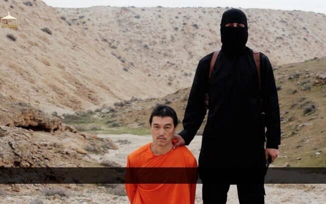 Kenji Goto momentos anos de ser decapitado por rebelde do EI, em vídeo divulgado neste sábado (jan/2015). Foto: AP