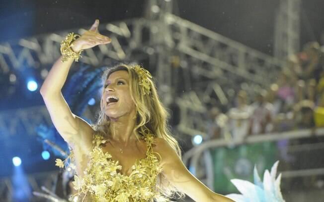 Nossa musa roubou a cena na Marquês de Sapucaí em 2011, desfilando pela Unidos de Vila Isabel na passarela do samba do Rio . Foto: João Cotta