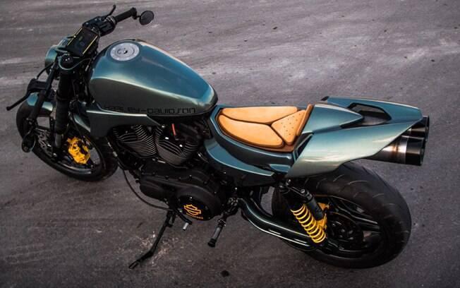 A Apex Predator tem estilo racing, com guião baixo e rabeta esportiva. Foto: Divulgação