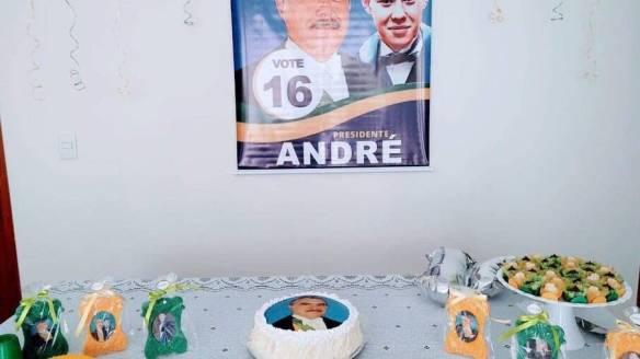 Tema da festa de aniversario de André foi o ex-presidente Jose Sarney