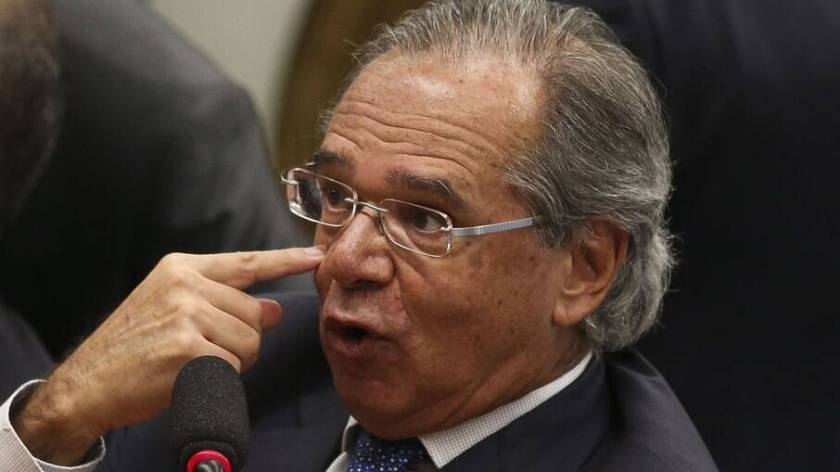 Guedes suggests selling Petrobras shares to give money to
