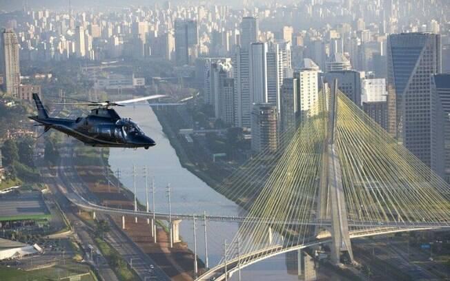 Fretamento de helicópteros para ir ao litora cresce até 50% no verão e Carnaval