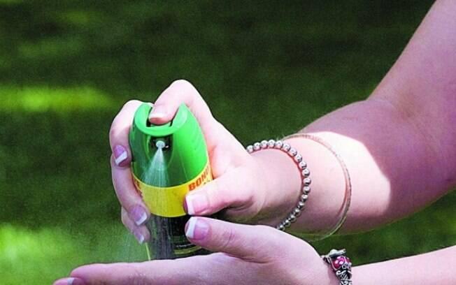 O DEET e o IR 3535 afugentam os mosquitos por até quatro horas. A icaridina é a mais eficiente e consegue os insetos por até 10 horas, reduzindo a quantidade de aplicação ao longo do dia. Foto: STOCKXPERT/ARQUIVO