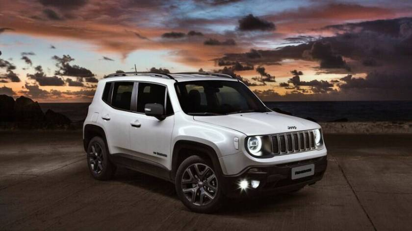Jeep Renegade of the 2021 line just received the new multimedia center among the main news