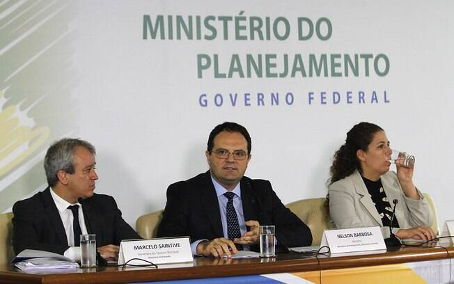 Marcelo Saintive (secretário do Tesouro Nacional) ministro Nelson Barbosa (Planejamento) e Esther Dweck (secretária do Orçamento Federal) anunciam cortes no Orçamento