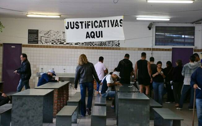 Número de nulos, brancos e abstenções surpreendeu neste primeiro turno das eleições municipais
