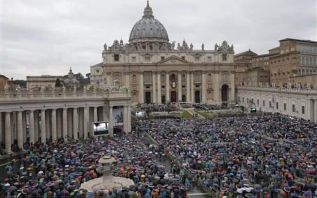 Papa Francisco comentou temas da atualidade em mensagem de Páscoa. Foto: AP Photo/Alessandra Tarantino
