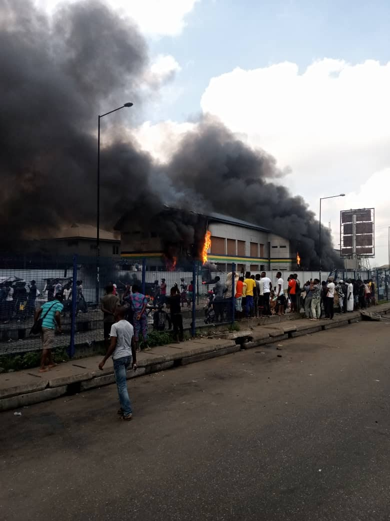 Thugs Set Police Station on fire In Orile Lagos State (Photos/Videos) 3