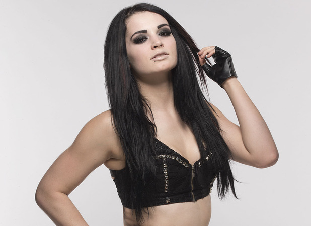 https://i1.wp.com/i1.cdnds.net/15/13/618x450/wwe-raw-paige-03.jpg
