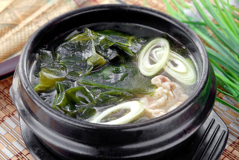 韓國海帶湯的做法_【圖解】韓國海帶湯怎么做如何做好吃_韓國海帶湯家常做法大全_阿雅雅_豆果美食