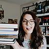 Jes Reads Books