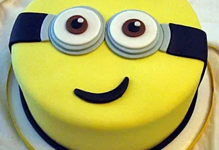 Yellow Minion Cake 1kg Vanilla Gift Despicable Me Cartoon Cake For