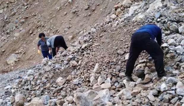 Mersin'de heyelanda mahsur kalan 11 kişi kurtarıldı 1