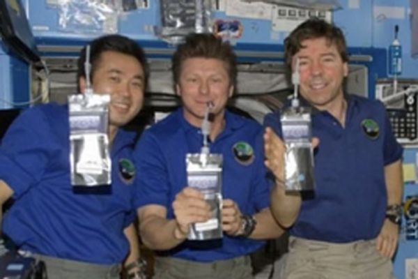 Why do Nasa astronauts drink Russian pee on the ...