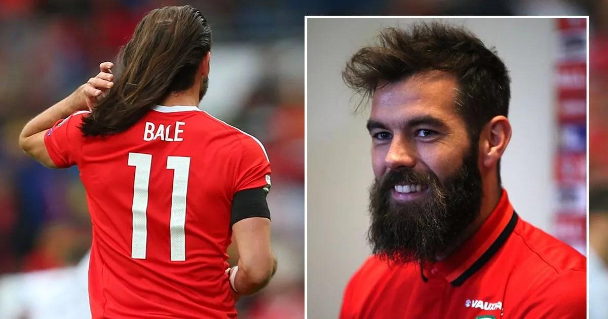 Gareth Bale May Make 360000 A Week Now But Wales Pals