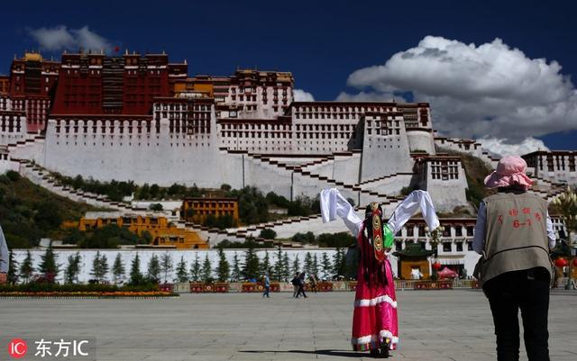 唯美聖地見證浪漫愛情 到西藏旅拍婚紗照成新時尚 - 每日頭條