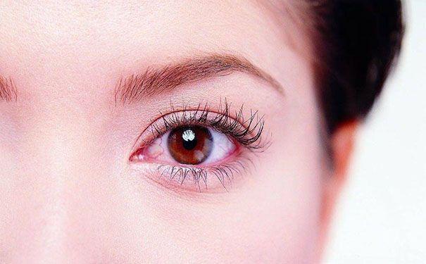 眼睛為什麼會出現紅血絲:僅僅是因為疲勞嗎? - 每日頭條