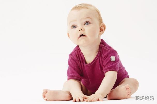 寶寶幾個月會坐對脊椎最好?這個時間坐著的寶寶大腦發育更好 - 每日頭條