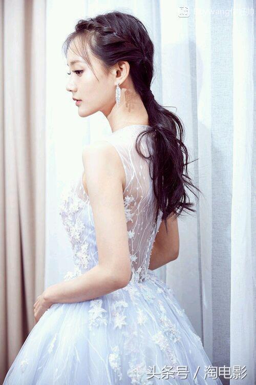 個人中國美女明星排名前30名 - 每日頭條
