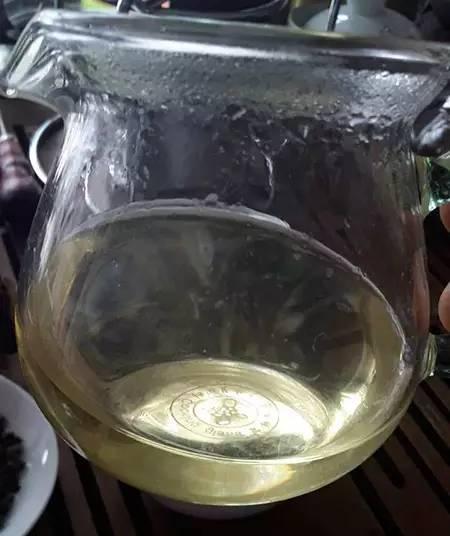臺灣茶品評師帶你認識一款有「奶香」的茶 - 每日頭條
