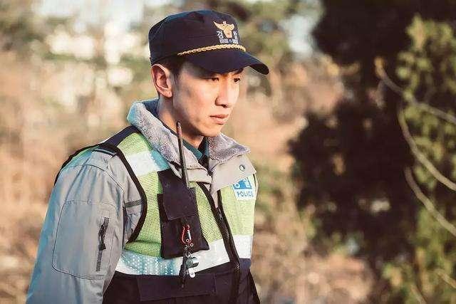一部主角沒有光環的韓劇《live》,警察體味的人間冷暖 - 每日頭條