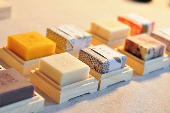 手工皂用來洗臉合適麼?在選皂的時候要注意哪些 - 每日頭條