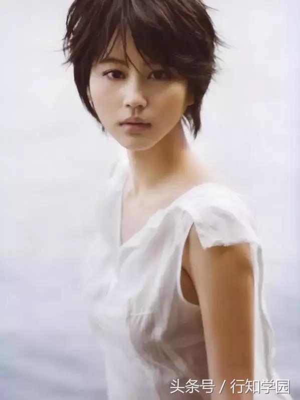 最適合超短髮的日本女藝人排行,今年也進行了「想一起泡溫泉的藝人」排行榜調查,你家「老婆」上榜了嗎? - 每日頭條
