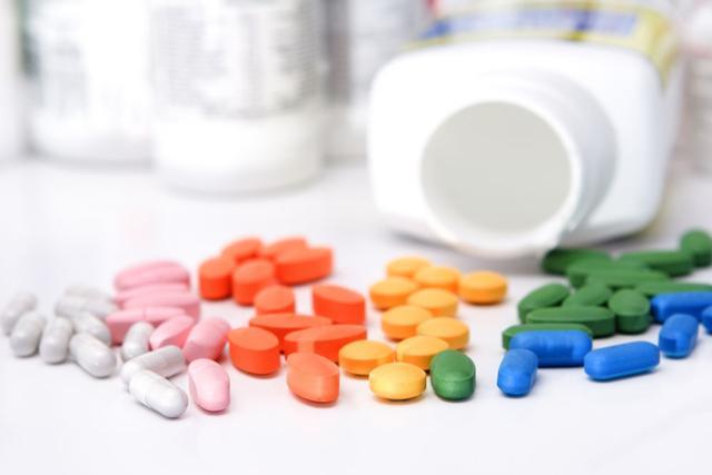急性痛風發作怎麼辦?這些藥家中要常備 - 每日頭條