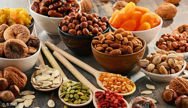 女性更年期?吃這10種食材!改善更年期不適,像是雌激素降低,調整荷爾蒙 - 每日頭條