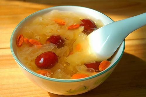 白木耳紅棗湯有什麼功效 - 每日頭條